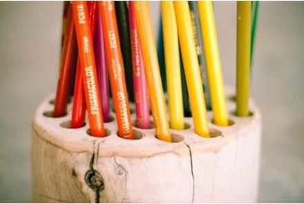 из веток для карандашей