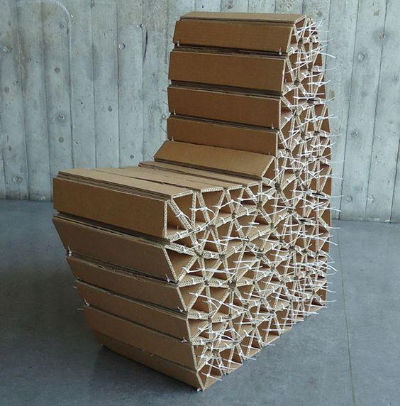 Высокий стол из картона