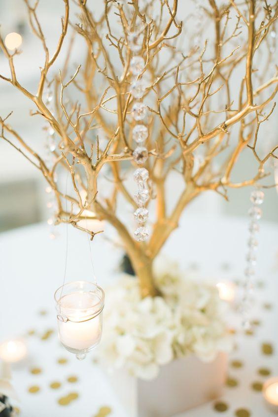 золотое декоративное дерево