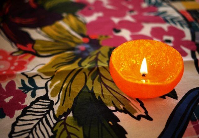 svecha-iz-mandarina-ili-apelsina-3