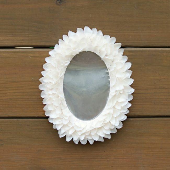 Декор зеркала лепестками мастер класс