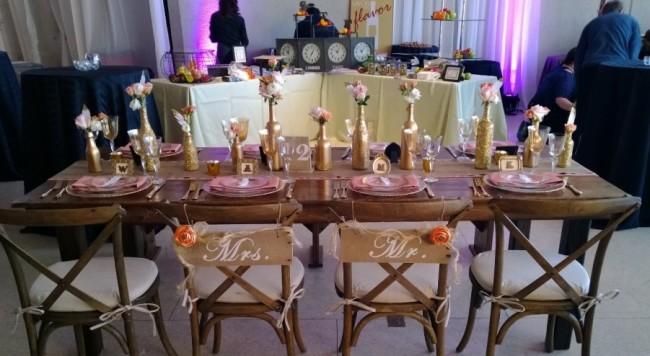 бутылки в декоре свадебного стола