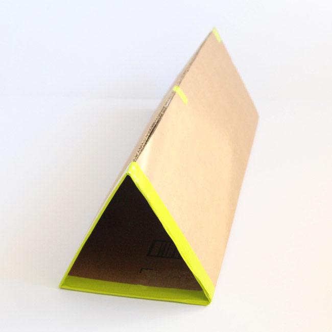 sdelat-mebel-iz-kartona-svoimi-rukami-14