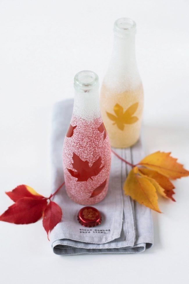 украсить листьями бутылку
