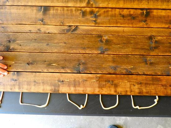 kak-obnovit-staryj-stol-svoimi-rukami-68
