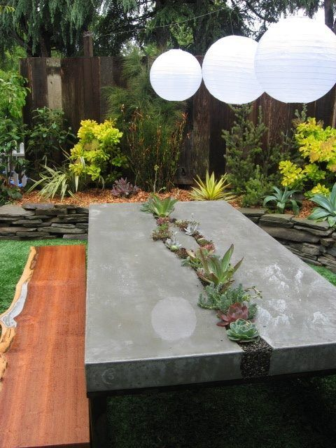 stol-iz-betona-30